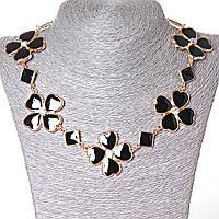 [15-35 мм.] Ожерелье ромбики и цветы из сердечек со стразами-серединками, металл Gold и черный глянец