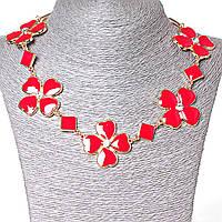 [15-35 мм.] Ожерелье ромбики и цветы из сердечек со стразами-серединками, металл Gold и красный глянец