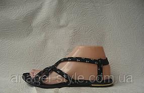 Сандалії жіночі стильні на резинці чорного кольору