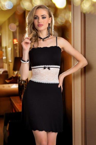 Женский пеньюар черного цвета с гипюром цвета экри, на регулируемых бретелях. Модель Ligia Eldar.