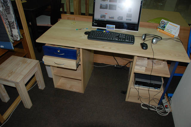 Стол компьютерный 30