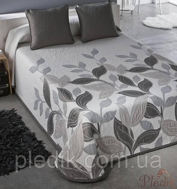 Красивое покрывало на кровать