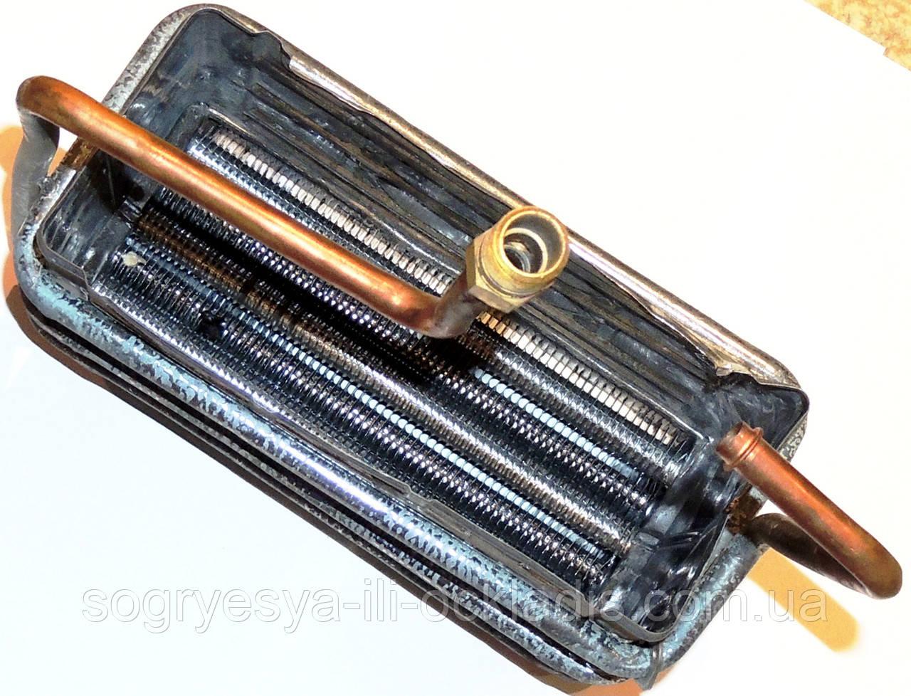 Теплообменник дымоходной колонки с накидной гайкой, код сайта 0999