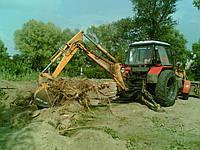 Удаление пней техникой - Корчевка пня трактором - экскаватором, фото 1