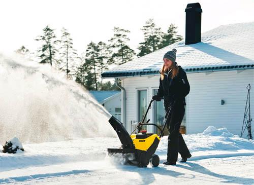 Купить снегоуборщик - бензиновый или электрический, какой лучше?