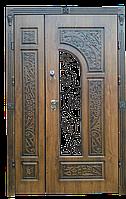 Дверь металлическая МДФ, двухстворчатая. Полуторные входные двери. Двери входные со стеклом.