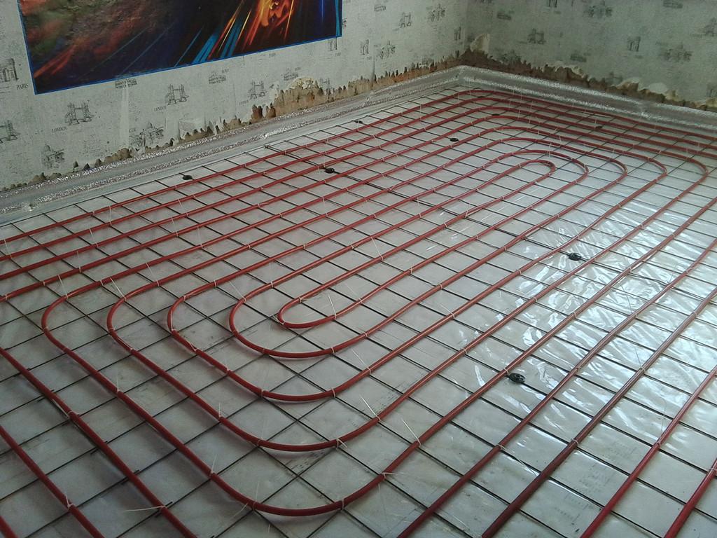 Теплый водяной пол в качестве основного отопления в частном доме площадью 100 м2