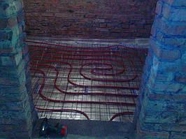 смонтирован водяной теплый пол в санузле