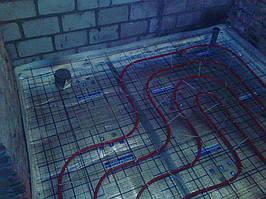 смонтирован водяной теплый пол в санузле, сделан отступ для крепления унитаза к полу