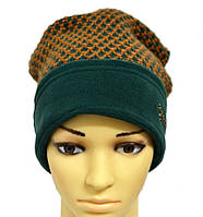 Женская шапка контрастных цветов