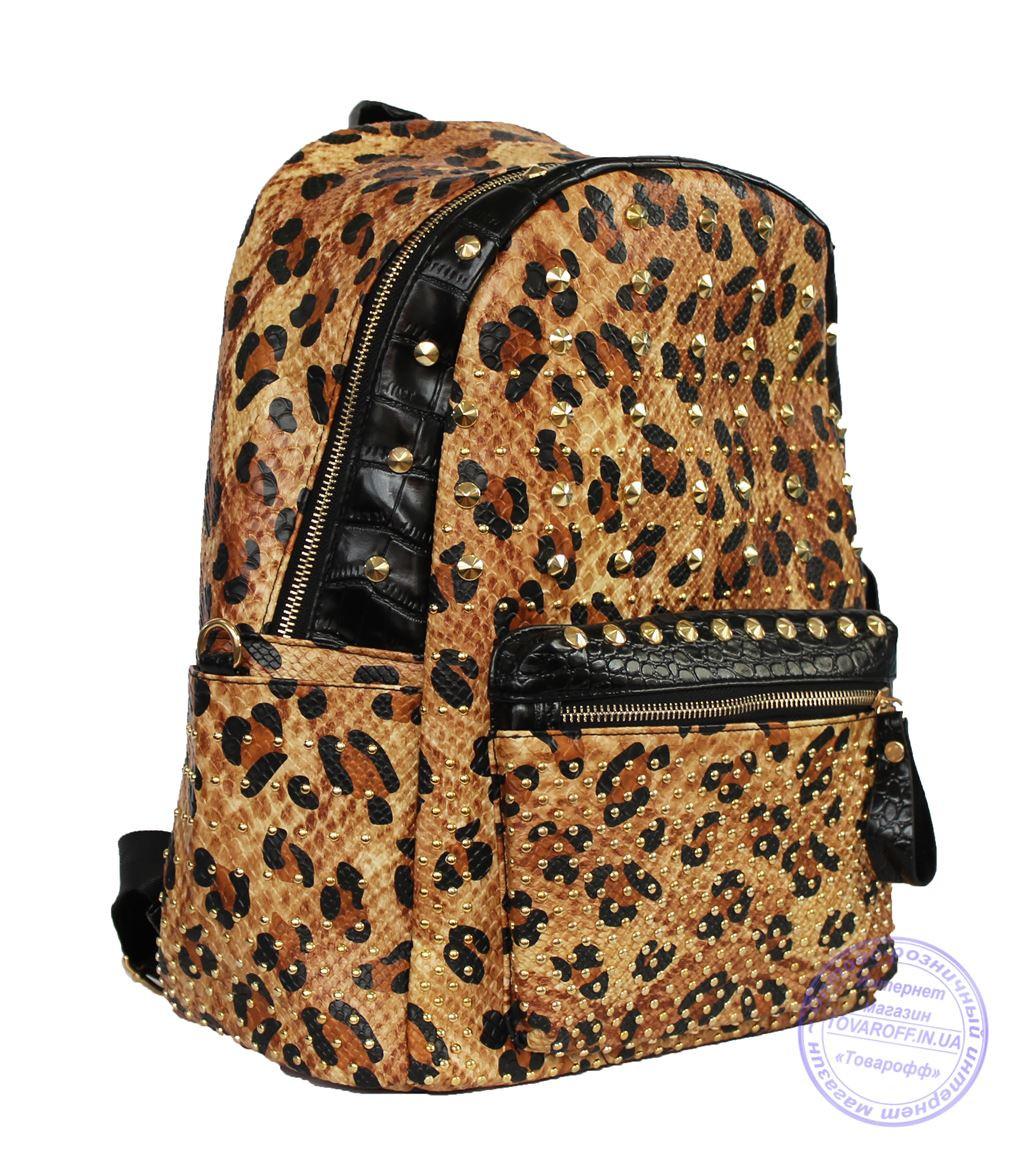 Рюкзак с заклепками из эко кожи леопардовый 507
