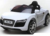 AUDI R8 SPYDER с кожаным сиденьем и мягкими колесами