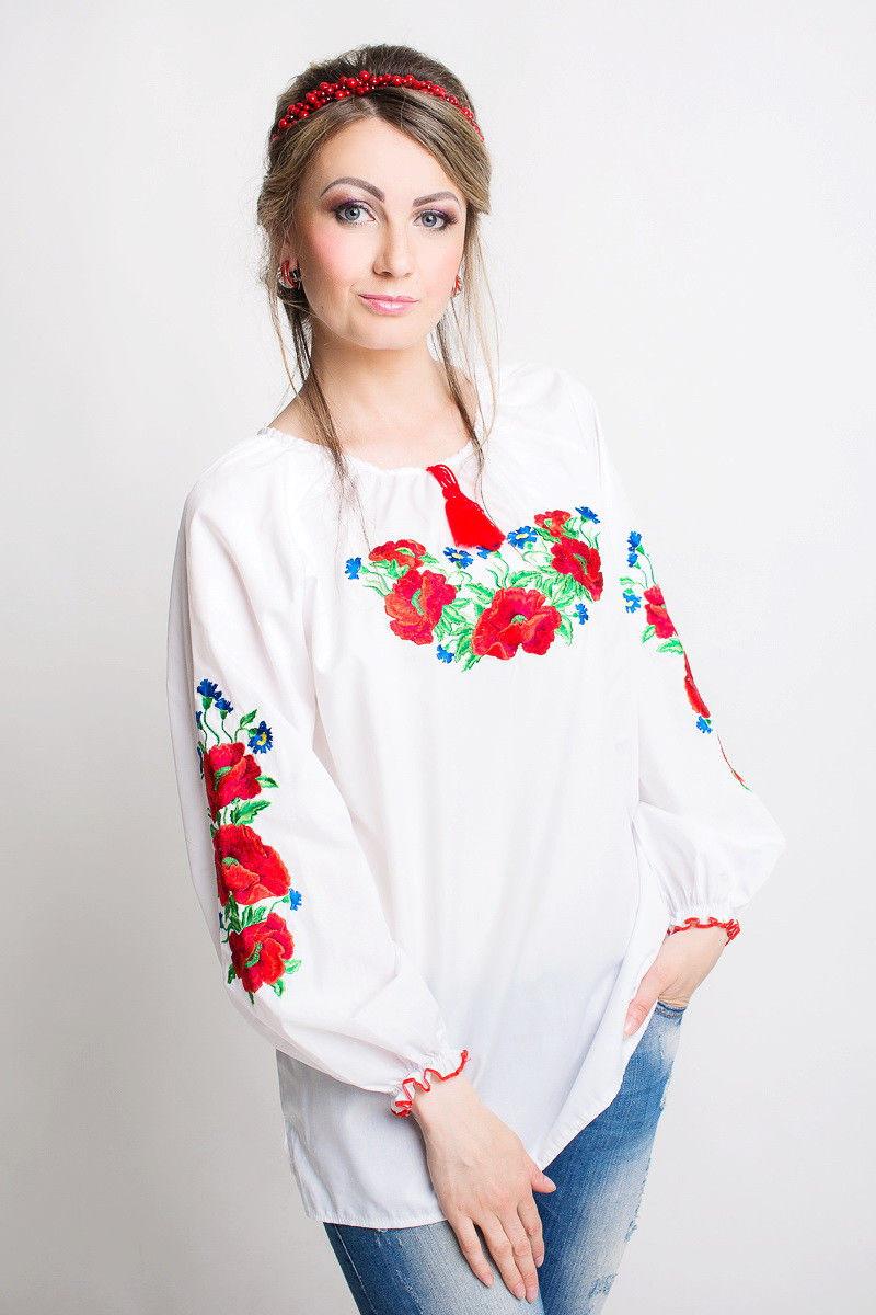 Нежная вышитая женская рубашка с длинным рукавом