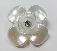 Полубусина цветок с камнем 3см