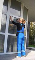 Мойка стеклянных витрин различной конфигурации и любой сложности