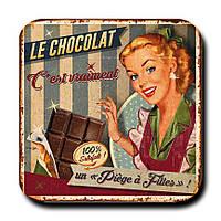 Магнитик Барышня с шоколадкой