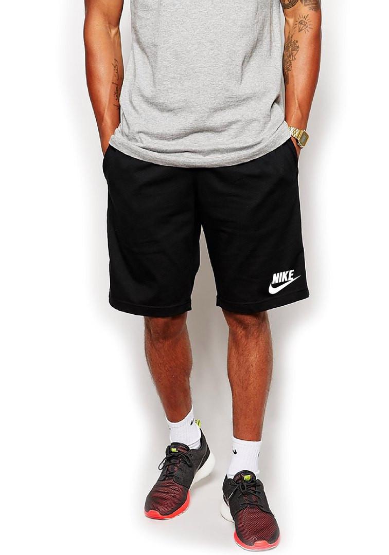 Мужские спортивные шорты Nike черного цвета с белым логотипом