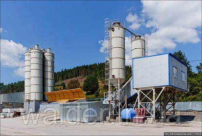 Бетоносмесительная установка Валдер на будівництво Бескидського тунелю.