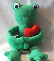 Детская кукла ручной работы жаба с сердцем. Подарок на Новый год.
