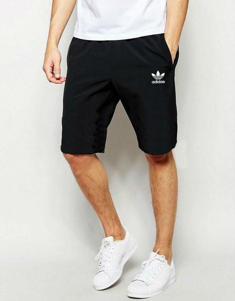 Мужские спортивные шорты Adidas черного цвета с белым логотипом