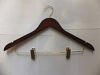Плечики-вешалка из вишни для костюма