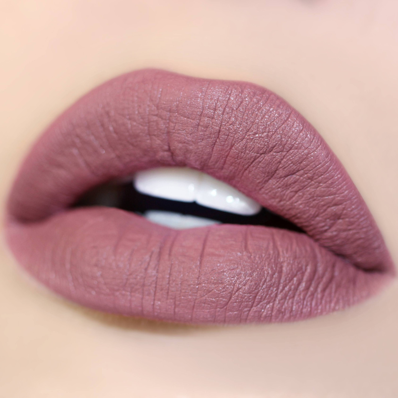 Сатиновая помада для губ ColourPop - Dopey