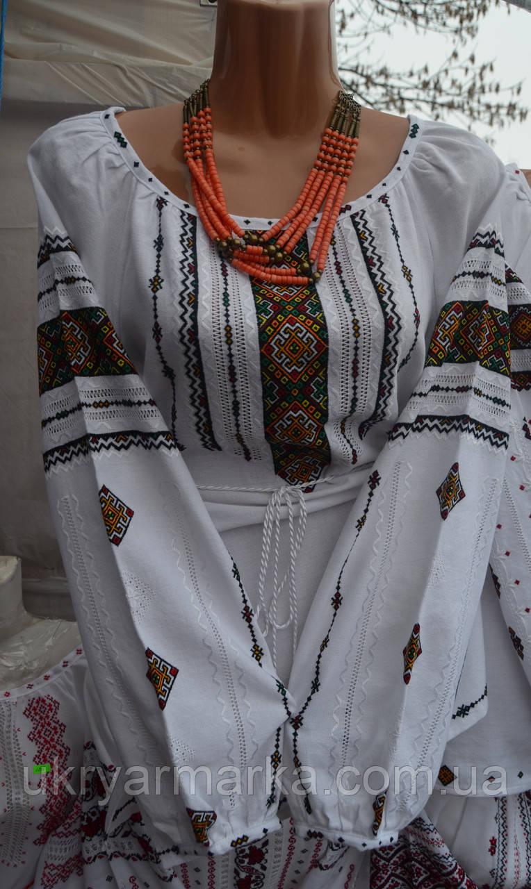 Жіноча вишита сорочка