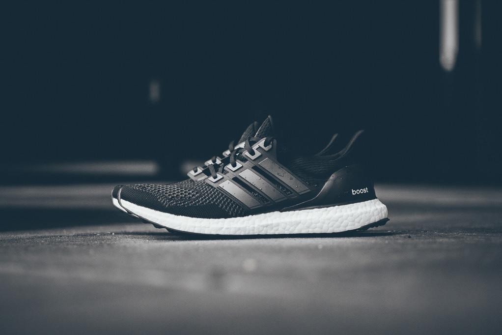 3becfe2c Adidas Ultra Boost Black/White: продажа, цена в Киеве. кроссовки ...