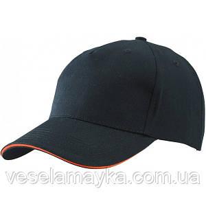 Черная кепка-сэндвич с оранжевой вставкой