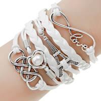 Стильный женский браслет. Белый