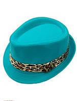 Шляпа для девочки яркая.