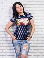 Модная футболка с рисунком украшенным стразами