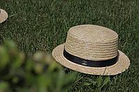 Шляпка канотье с брошкой шанель