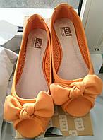 Апельсиновые туфли-балетки