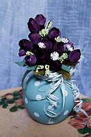 Ваза керамическая с искусственными цветами, голубая