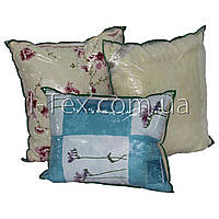 Подушка с мехом 70x70