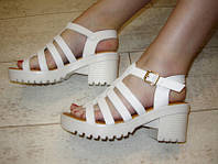 Б689 - Босоножки женские белые на каблуке