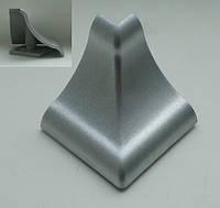 Уголок внешний для гладкого алюминиевого плинтуса