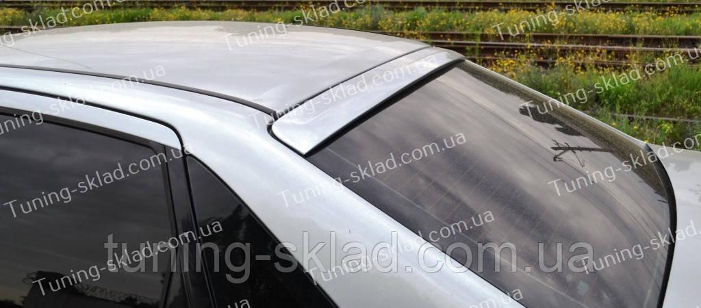 Спойлер на стекло Форд Фокус 1 бленда (спойлер заднего стекла Ford Focus 1 седан)