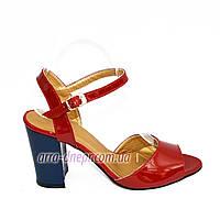 Женские лаковые босоножки на устойчивом каблуке, цвет красный, фото 1