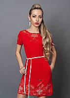 Яркое летнее женское платье красного цвета
