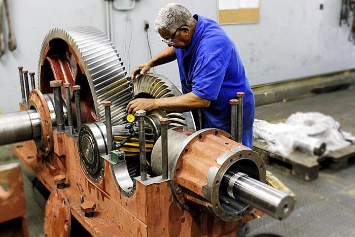 Ремонт и замена запчастей промышленных редукторов и мотор-редукторов
