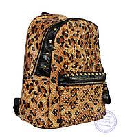 Оптом Рюкзак с заклепками из эко кожи леопардовый 507, фото 1