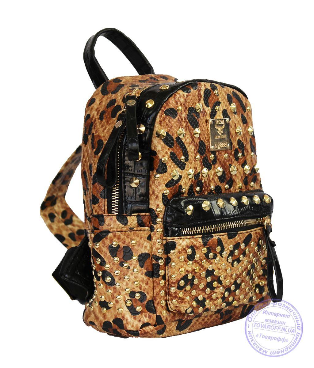 Оптом Рюкзак с заклепками леопардовый из эко кожи - 519