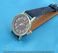 Часы Geneva 114159 женские золотистые на черном тонком ремешке из кожзама