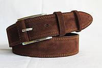 Замшевый ремень 45 мм тёмно-коричней с коричневыми краями прошитый коричневой ниткой пряжка с кожаной вставкой