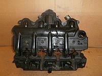 Клапанная крышка Renault Trafic 2.5 dci 03->10 Оригинал б\у 8200627939