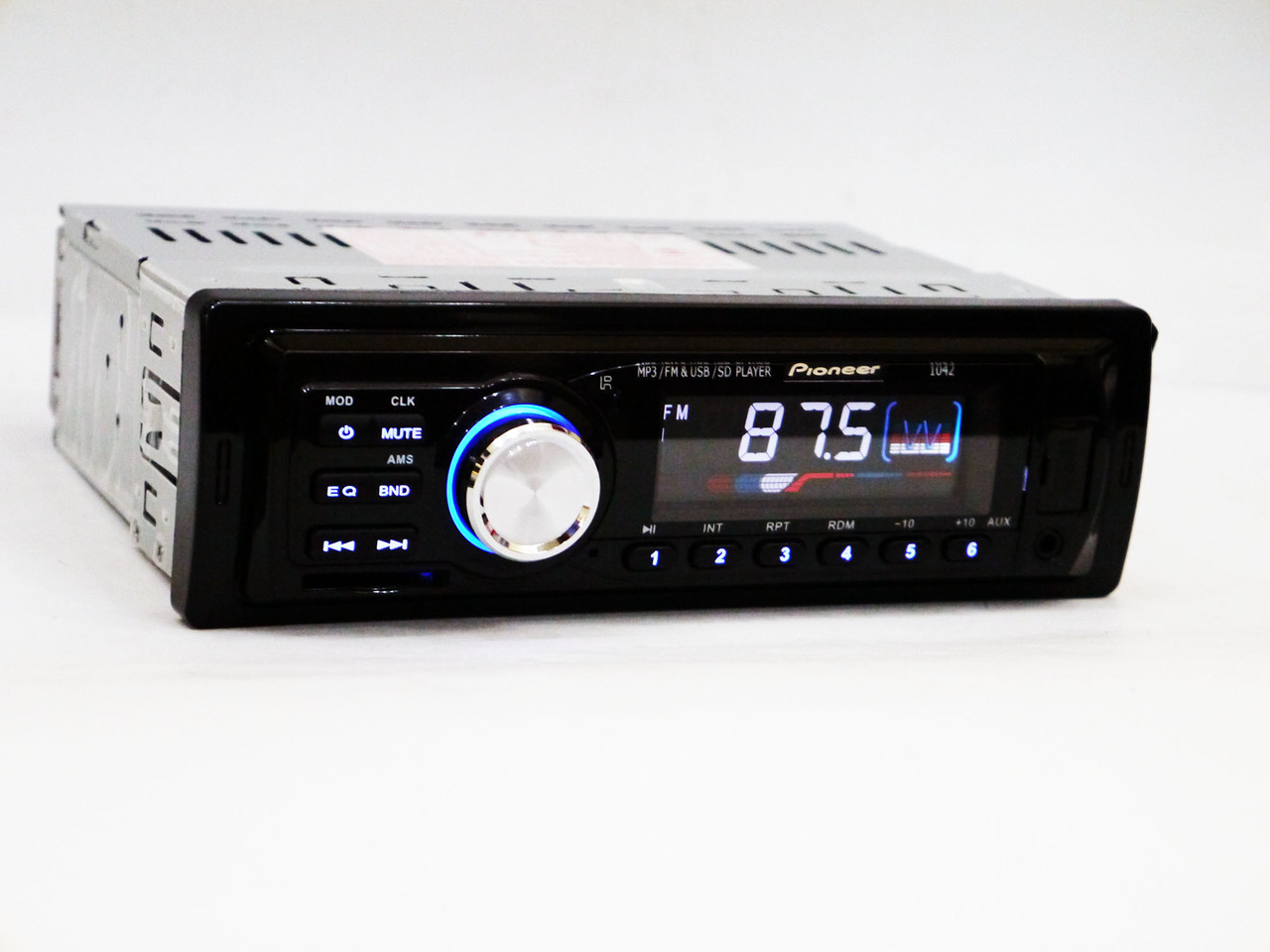 Автомагнитола Pioneer 1042 Usb+Sd+Fm+Aux+ пульт (4x50W)