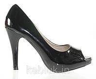 Стильные и удобные женские туфли, лодочки  лаковые с открытым носком размеры 36