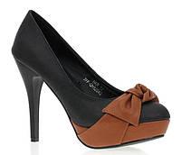 Стильные Стильные и удобные женские туфли, лодочки  черного цвета с коричневым бантом! Очень елегантные.